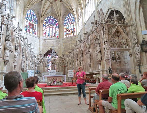 cathédrale de condom proche relais du moulin neuf durant visite groupe