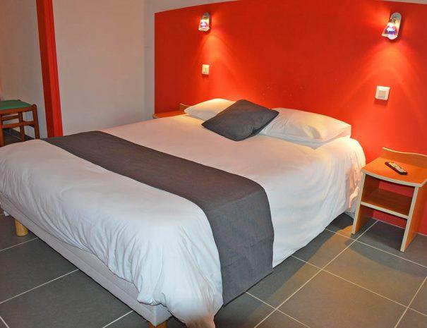 chambre lit double au village club lerelais du moulin neuf barbaste