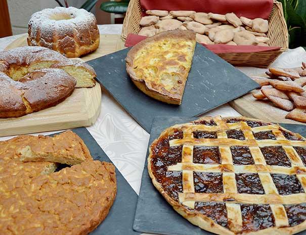 buffet de desserts fait maison village vacances sud ouest