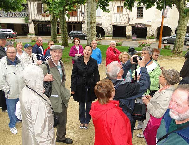 groupe tourisme à Fourcès activité au Relais du Moulin Neuf Barbaste