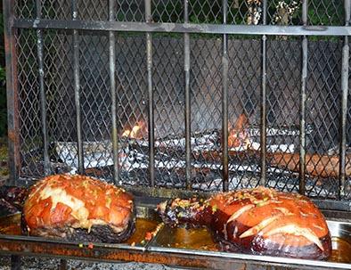 jambon à la broche au relais du moulin neuf vacances d'été sud ouesr