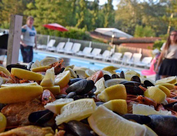 moules frites au relais du moulin neuf vacances d'été ou repas festif
