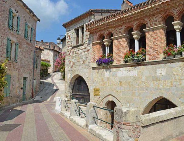 marche et randonnée dans la ville de Nérac Relais du Moulin neuf