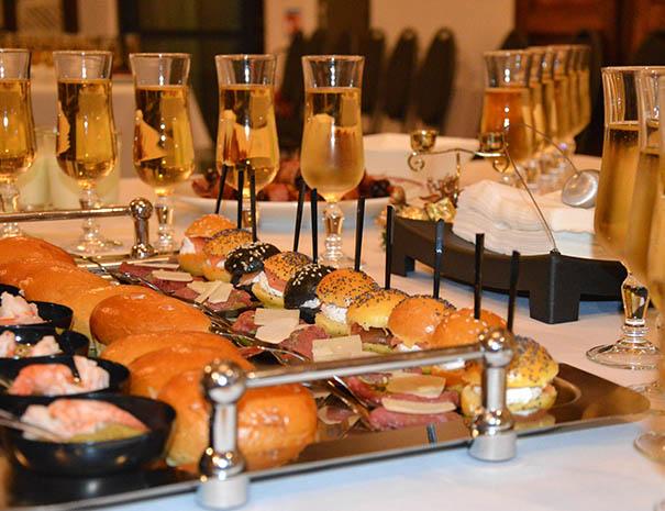 reveillon-toast-champagne