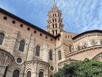 journée à Toulouse basilique saint sernin pendant séjour touristique groupe relais du moulin neuf