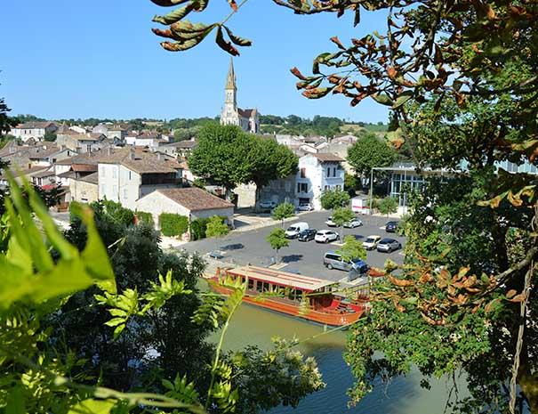 Ville de Nérac vue plongeante ville du lot et garonne relais du moulin neuf