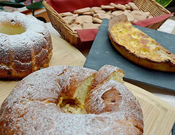 Buffet de desserts pour votre séjour célibataire au Relais du Moulin Neuf